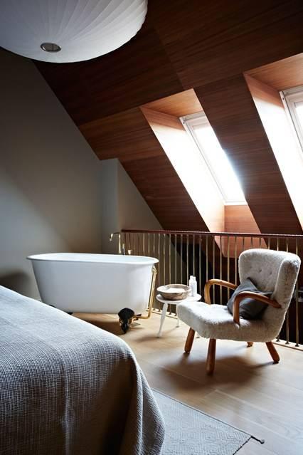 01 - Dormitor cu cada de baie la vede