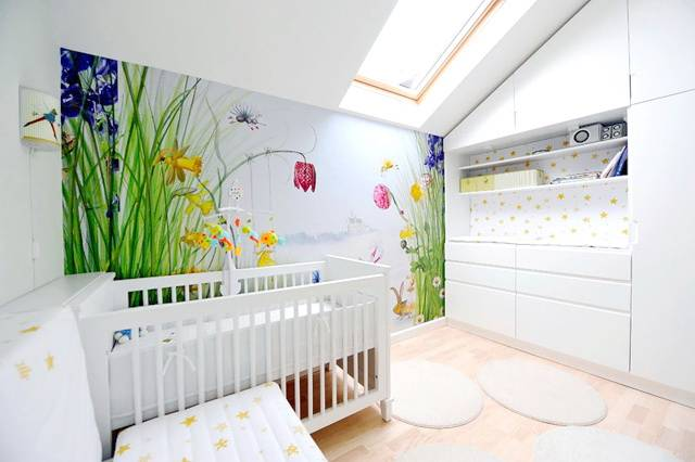 Camera bebelusului in mansarda