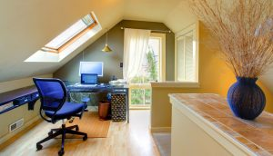 biroul la mansarda